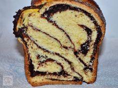 Cozonac impletit cu nuca, cacao si stafide | CAIETUL CU RETETE International Recipes, French Toast, Bakery, Sweets, Breakfast, Ethnic Recipes, Desserts, Food, Breads