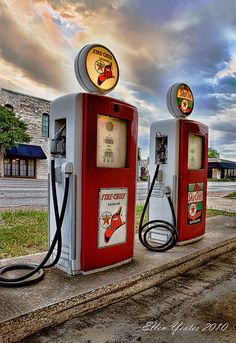 Beautiful Old Gas Stations-I remember the Sinclair Station had pumps like this.