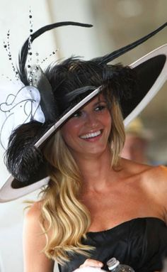 I want to go to the Kentucky Derby and wear a hat there! Celebrity Hats At Kentucky Derby : theBERRY Aline Kentucky Derby Fashion, Kentucky Derby Hats, Fancy Hats, Cool Hats, Big Hats, Erin Andrews, Derby Outfits, Church Hats, Derby Party