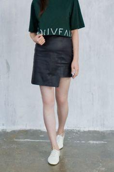 semi gloss asymmetry skirt from Kakuu Basic. Saved to Kakuu Basic Skirts. Shop more products from Kakuu Basic on Wanelo. Seoul Fashion, Korean Fashion, Korean Street, Online Fashion Stores, Korean Outfits, Leather Skirt, Street Wear, Cute Outfits, Fashion Outfits