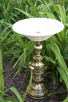 DIY Re-purposed Lamp Bird Bath..I think I might add some texture paint when I (if I) do this project :)