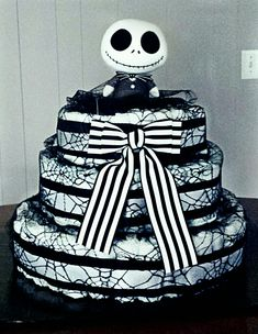 How to Make Baby Diaper Cake The nightmare before Christmas diaper cake. How to Make Baby Diaper Cak Baby Shower Diapers, Baby Shower Fun, Baby Shower Gender Reveal, Baby Shower Cakes, Baby Shower Parties, Baby Shower Themes, Baby Shower Decorations, Baby Shower Gifts, Shower Ideas