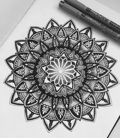 "13 Likes, 1 Comments - Louise Fernandes (@louisefernands) on Instagram: ""Foi mais difícil do que esperava, mas taí o resultado. #mandala #mandalatattoo #ink #drawing…"""