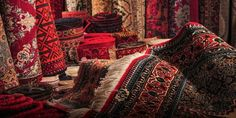 The Small Chinese City Selling Persian Rugs to the World The Small Chinese City. The Small Chinese City Selling Persian Rugs to the World The Small Chinese City Selling Persian Ru Chinese Design, Chinese Style, Pink Bathroom Rugs, Natural Carpet, Persian Culture, Types Of Carpet, Oriental Fashion, Pink Rug, India Fashion