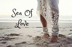 ☮ American Hippie ☮  Beach love