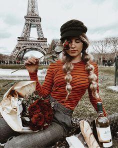 Imagem de fashion, paris, and rose The Iron Lady, Paris Outfits, France Outfits, Jolie Photo, Fashion Week, Paris Fashion, Europe Fashion, Fashion Hair, Fashion Outfits