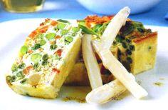 Receta de Pastel de verduras en http://www.recetasbuenas.com/pastel-de-verduras/ Aprende a cocinar esta original receta de pastel de verduras de una forma rápida y sencilla. Una receta muy fácil de hacer para que tus hijos coman verduras  #recetas #Primeros #verduras