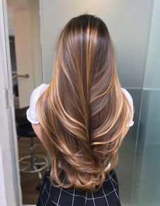 Brown Hair Balayage, Blonde Hair With Highlights, Brown Blonde Hair, Brunette Hair, Balayage Highlights, Blonde Balayage, Caramel Highlights, Brunette Color, Gorgeous Hair Color
