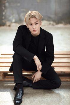 Mark lee (Photoshoot for Bazaar) Mark Lee, Winwin, Taeyong, Jaehyun, Ntc Dream, Nct 127 Mark, Lee Min Hyung, Yuta, Young K