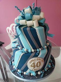 40 years old birthday cake. Or anniversary?!