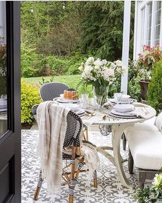 """225 Likes, 24 Comments - TONE ON TONE (@loithai) on Instagram: """"A spring garden luncheon in style! My friend Annie @zevyjoy sure knows how to entertain. From the…"""""""
