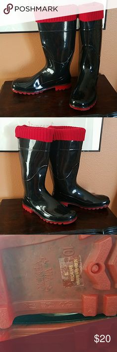 Via Veneto rain boots Size 10.  Black and red rubber rain boots  Excellent condition  Freshly laundered/ sanitized and ready to go! Via Veneto  Shoes Winter & Rain Boots