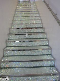 Dear Interior Design Fairy Godmother, I wish with all my heart to have these glitter / confetti opalescent stairs in my house tomorrow! Indie Room, Glitter Stairs, Glitter Room, Glitter Girl, Glitter Heels, Sparkles Glitter, Blue Glitter, Future House, My House