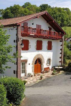 Saint-Etienne-de-Baïgorri. Pays Basque. Aquitaine