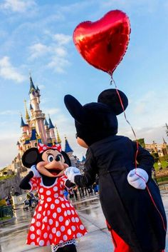 It all started with a mouse ❤ mickey and minnow in disneyland Paris