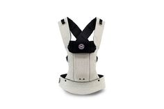 Baby wearing makes life easier! I love this organic cotton, super-versatile Baby Carrier from Honest and Beco Baby.