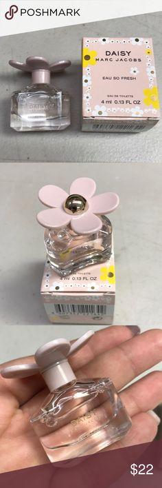 Marc Jacobs Daisy Eau so fresh Parfum New 4 ml Makeup Blush