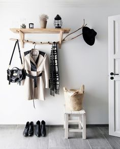 DIY Hallway Coat Rack | La Garbatella