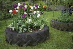 Cheap garden Planters - 48 Cheap And Beautiful Diy Planters Ideas For Beautiful Garden. Outdoor Garden Decor, Garden Decor Items, Tire Planters, Garden Planters, Cheap Planters, Tire Garden, Garden Park, Benefits Of Gardening, Organic Gardening