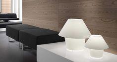 Lámpara de mesa pequeña VERSUS blanca ambiente 2