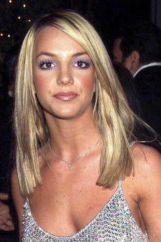 Britney Spears Photos Over The Years Hair Makeup Looks 90s Makeup Look, 2000s Makeup, Beauty Makeup, Hair Makeup, Britney Spears 2000, Britney Spears Photos, Spice Girls, Makeup Trends, Hair Trends