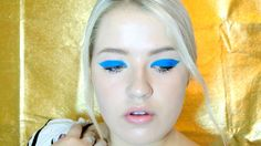 Runway To Real Life: Honor's Electric Blue Cat-Eye.