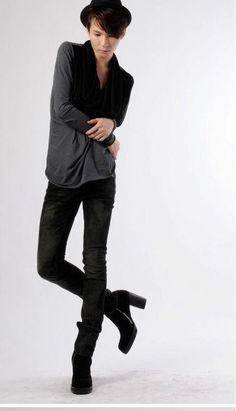 Mens high heel boots men heels is unique fashion trends cowboy Mens Heeled Boots, High Heel Boots, Mode Alternative, Latest Mens Wear, Men In Heels, Shoes Men, Shoes Heels, Lgbt, Style Masculin