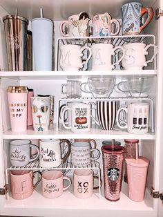 Ingenious ways to organize kitchen cabinets - aoneperfume - Küche Ideen - Apartment Decor Kitchen Organization Pantry, Home Organisation, Organization Hacks, Organized Pantry, Organizing Tips, Dishes Organization, Kitchen Pantry Design, Organization Ideas For The Home, Bathroom Closet Organization