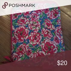 Lily Pultizer IPad Case Great Condition! Soft material Lilly Pulitzer Accessories Tablet Cases
