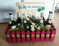 Beer garden - gifts - birthday present Diy Gifts For Friends, Diy Gifts For Kids, Gifts For Coworkers, Gifts For Husband, Gifts For Family, Gifts For Beer Lovers, Beer Gifts, Beer Garden, Garden Gifts