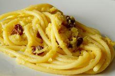 Pasta chi vruoccoli arriminati, la ricetta dalla cucina siciliana