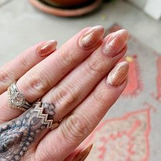 Very reflective copper rose gold toned velvet nail design. So shiny it literally looks like velvet. Tap through to see these nails in motion to really capture the velvet look! #velvetnails #nailthoughts Winter Nail Art, Winter Nails, Copper Rose, Rose Gold, Velvet Nails, Fall Manicure, Fall Nail Art Designs, Halloween Nail Art, Fun Nails