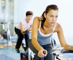 10 Reasons Spinning is the best workout ever. Have you had a go at one of our spinning classes - why do you love spinning? Losing Weight Tips, Loose Weight, Fast Weight Loss, Healthy Weight Loss, How To Lose Weight Fast, Reduce Weight, Fit Girl Motivation, Fitness Motivation, Operation