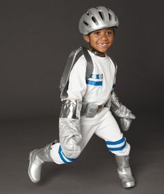 Astronaut Halloween Costume – Homemade Halloween Costumes - Woman's Day