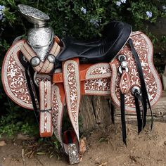 No hay como una montura de Pita 100% bordada a mano! Encarga la tuya hoy al gusto!  #Monturas #MonturaYMonturas #Caballos #MonturasParaCaballos #CaballosFinos #CaballosBailadores #MonturaVaquera #MonturaCharra #Horse #Saddle #HorseSaddles #Rodeo #rancho