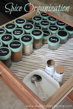 Handy Ways to Use Mason Jars In Your Kitchen Trade in your spice rack for a spice drawer, equipped with labeled mason jar tops.Trade in your spice rack for a spice drawer, equipped with labeled mason jar tops. Mason Jars, Mason Jar Crafts, Canning Jars, Pots Mason, Kitchen Pantry, Kitchen Storage, Kitchen Ideas, Storage Jars, Organized Kitchen