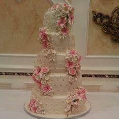 Pink elegance wedding cake