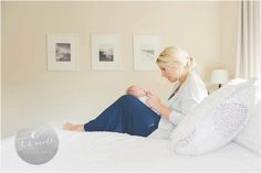 mother and baby pose   E Schmidt Photography   Metro Detroit Newborn Lifestyle Photographer