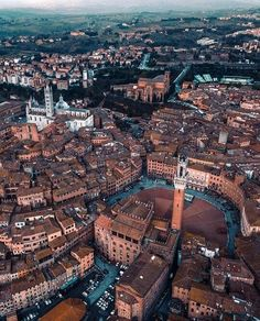 Siena, Italy is likely Italy's loveliest medieval city, and a trip worth making even if you are in Tuscany for just a few days. Italy Vacation, Italy Travel, The Places Youll Go, Places To Visit, Europa Tour, Into The West, Michelangelo, Belle Photo, Travel Pictures
