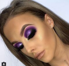 makeup looks halloween Glam Makeup Look, Makeup Eye Looks, Sexy Makeup, Cute Makeup, Beauty Makeup, Huda Beauty, Beauty Dupes, Purple Eye Makeup, Colorful Eye Makeup