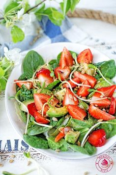 GoodyFoodies: Recipe: Avocado salad with Tomatoes, Shallots and Toasted Cumin Vinaigrette (Bobby Flay) Avocado Salad, Caprese Salad, Cobb Salad, High Protein Vegetarian Diet, Healthy Eating, Atkins Diet, Weight Watchers Meals, Vinaigrette, Salad Recipes