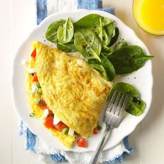 Mediterranean Omelet Recipe -This fluffy omelet gives us reason to get a move on for breakfast. For extra flair, add some chopped fresh herbs like basil, oregano or tarragon. Easy Egg Recipes, Vegetarian Recipes Easy, Vegetable Recipes, Healthy Recipes, Breakfast Hash, Breakfast Recipes, Breakfast Ideas, Mediterranean Diet Recipes, Mediterranean Breakfast