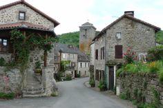 Teyssieu - Entrée du village