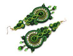 Sutasz-Anka: Carnioval Green earrings http://www.soutage.com/2013/01/carnival-green-kolczyki.html