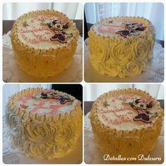 Torta de piña con crema y manjar