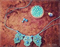 "15 mentions J'aime, 2 commentaires - Schiz'Ophé (@schizophecraft) sur Instagram: ""Work in progress #blue #bluehour #macrame #macramenecklace #diy #handmade #frozen…"""