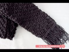 Blog By Day: Cachecol na Diagonal :: Diagonal Scarf
