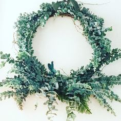 Professional executive assistant services to organise your work or home life. Market Baskets, Christmas Wreaths, Floral Wreath, Holiday Decor, Natural, Beautiful, Instagram, Home Decor, Decoration Home