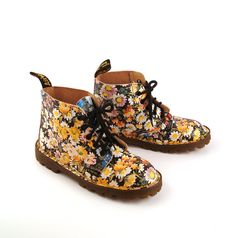 Doc Dr Martens Boots 1990 Floral Leather by purevintageclothing, $88.00