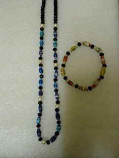 Paper bead necklace and bracelet